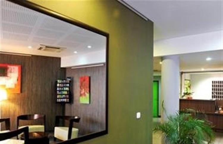 Appart hotel mer golf city perpignan centre perpignan for Appart hotel perpignan