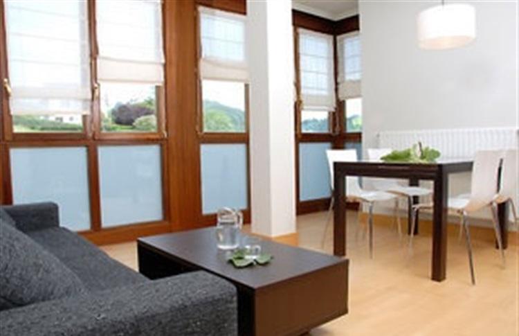 Talaimendi apartamentos turisticos san sebastian tara bascilor spania - Apartamentos turisticos en san sebastian ...