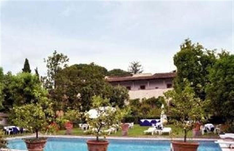 Hotel villa villoresi florenta regiunea toscana italia for Villa villoresi