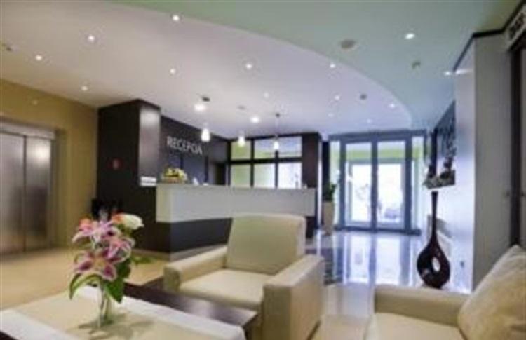 hotel viktor bratislava regiunea bratislava slovacia. Black Bedroom Furniture Sets. Home Design Ideas