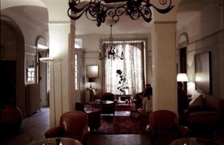 hotel nord pinus arles provence alpes franta. Black Bedroom Furniture Sets. Home Design Ideas