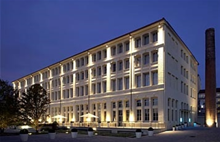 Hotel ac torino by marriott turin piemont italia for Hotels turin