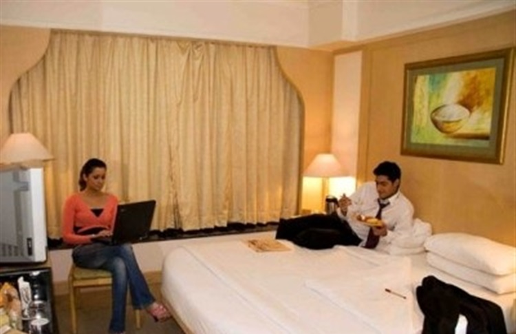 Hotel Room With Private Pool Near Mumbai