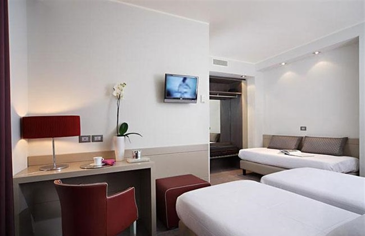Smart Hotel Holiday Venice Booking