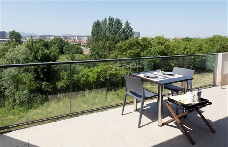 Aparthotel jardines de aristi alava vitoria tara bascilor for Hotel jardines de uleta vitoria