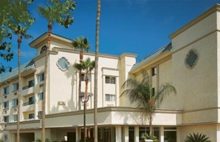 Comfort Inn and Suites Hotel Circle | SanDiego.com