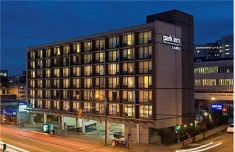 Park Inn And Suites Vancouver Broadway Hotel