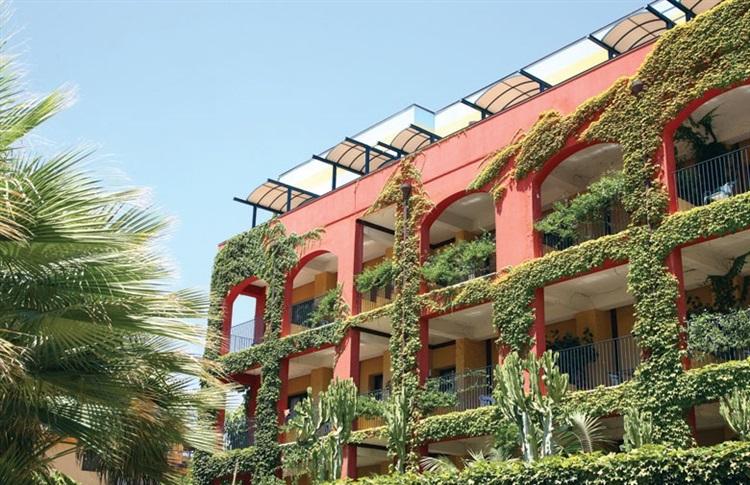 Book at hotel caesar palace giardini naxos sicily island italy - Hotel giardini naxos 3 stelle ...