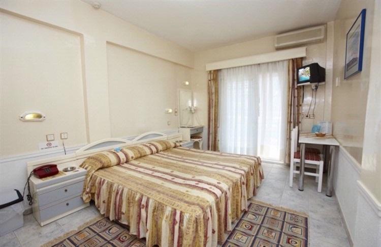 Hotel Grand Victoria Hanioti