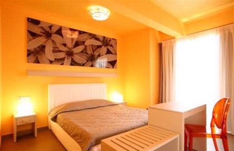 Hotel bourtzi statiunea skiathos insula skiathos grecia for Bourtzi hotel skiathos