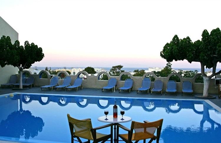 Hotel artemis santorini kamari santorini grecia for 4 design hotel artemis