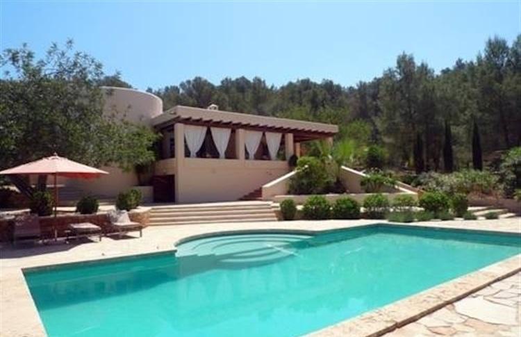 Book at can cunsey country villa ibiza sant josep de sa for Ibiza country villas